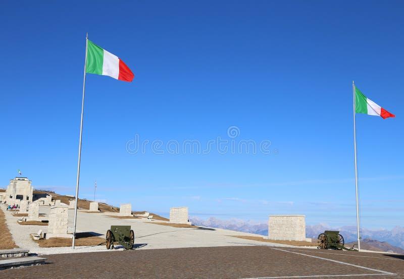 Monte Grappa (TV) Italie 8 décembre 2015 Mémorial militaire MOIS photos libres de droits