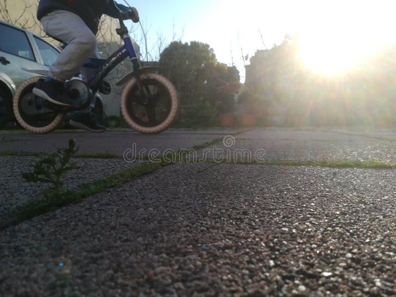 Monte minha bicicleta imagens de stock royalty free