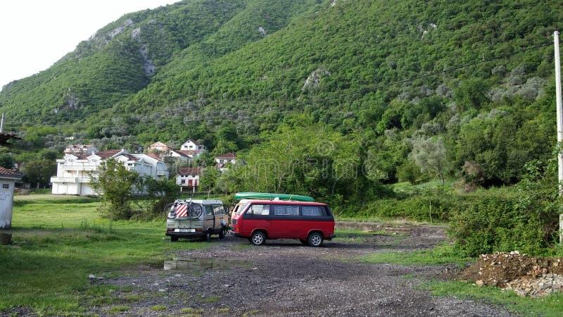Monte Negro fora do acampamento da grade fotografia de stock royalty free