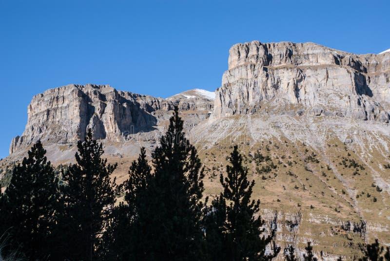 Monte Perdido no parque nacional de Ordesa, Huesca. Espanha. imagens de stock royalty free