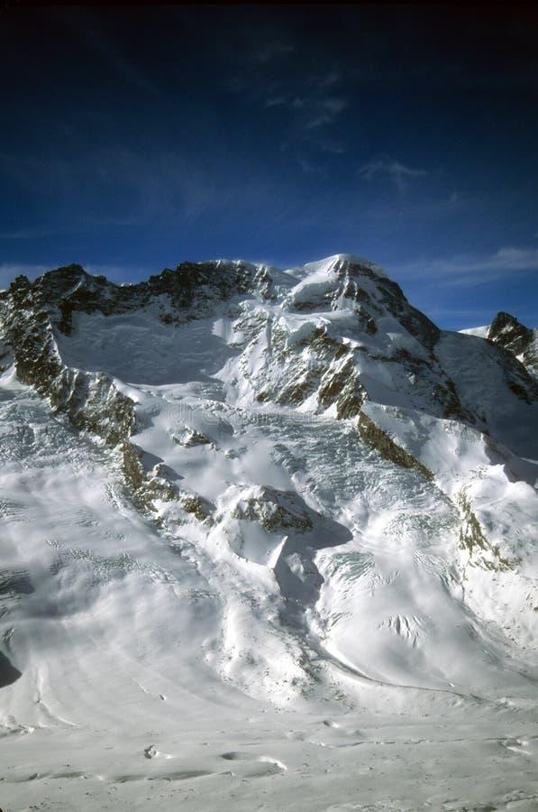 Monte Rosa Gebirgsmassiv mit Gletschern lizenzfreies stockfoto