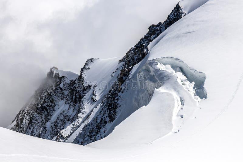 Monte Rosa Massif - Punta Giordani crevasse fotografia stock