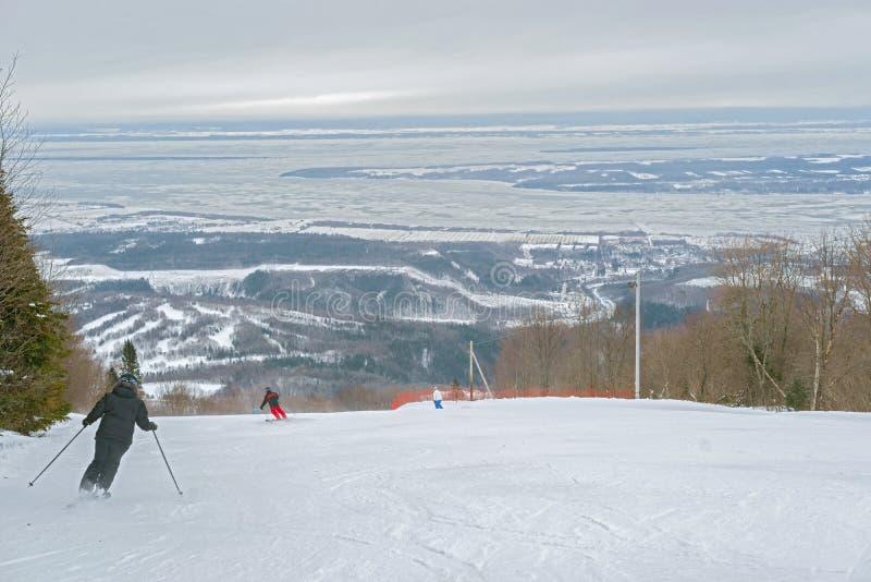 Monte Sainte Anne en Quebec, Canadá imagenes de archivo
