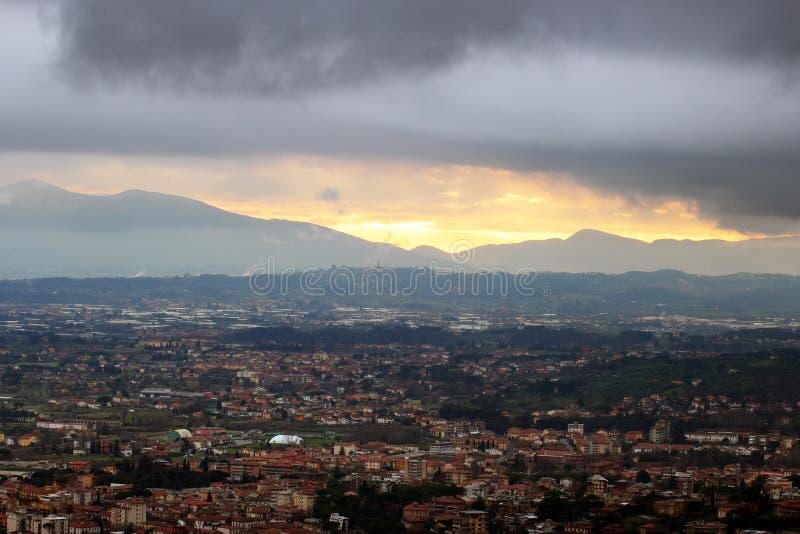 Montecatini Terme, cidade dos termas de Tuscan em Italia foto de stock