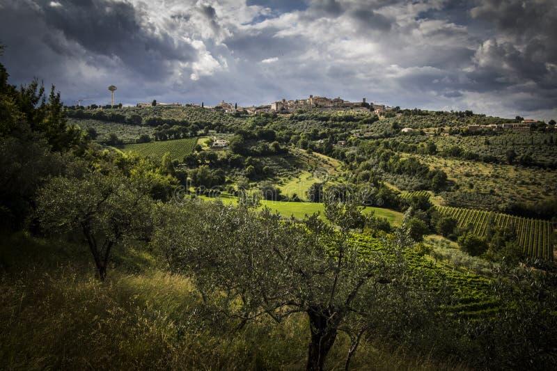 Montefalco - HDR lizenzfreies stockfoto