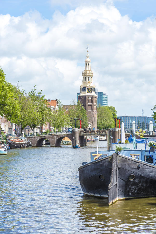 Montelbaanstoren塔在阿姆斯特丹,荷兰 图库摄影
