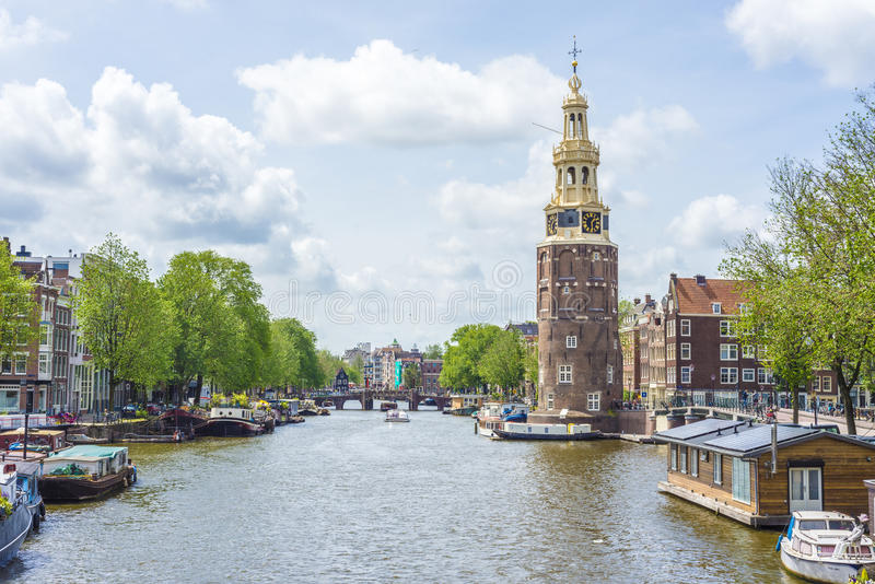 Montelbaanstoren塔在阿姆斯特丹,荷兰 免版税库存照片
