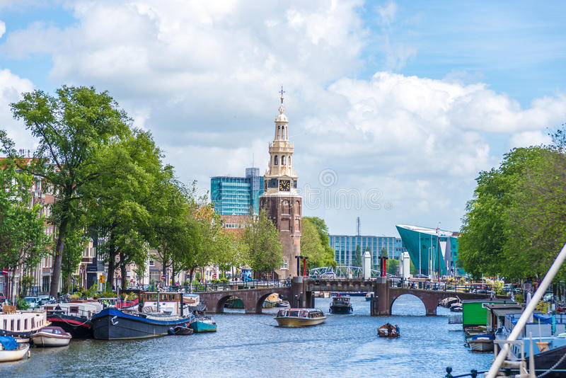 Montelbaanstoren塔在阿姆斯特丹,荷兰 库存图片