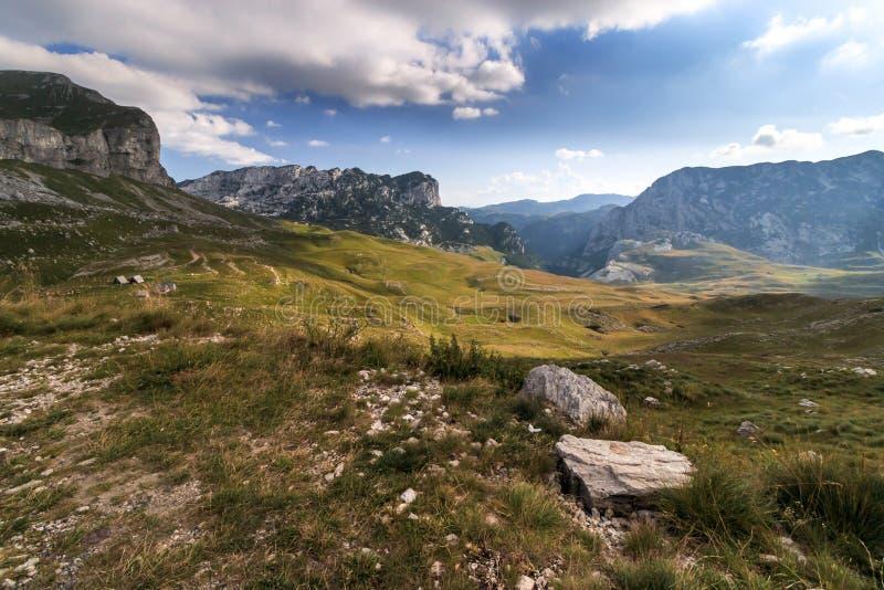 MonteNegro durmitormening in bergen stock afbeeldingen
