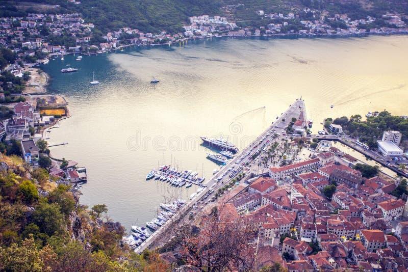 montenegro Kotor Schacht Ansicht von der Festung auf dem Berg 2017-jährig Foto von der Festung auf dem Berg lizenzfreies stockfoto