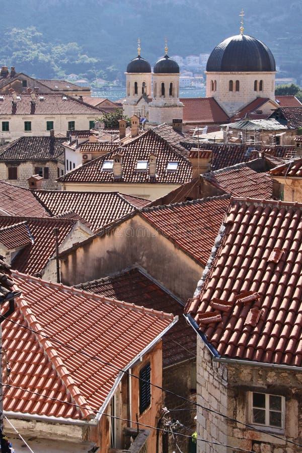 Montenegro: Telhados de Kotor foto de stock royalty free