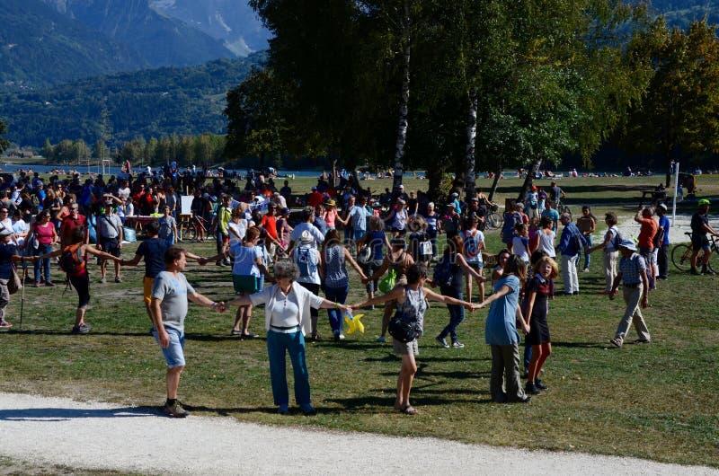 Montent pour le climat, le 8 septembre 2018, la marche pour le climat faisant face au massif de Mont Blanc image stock