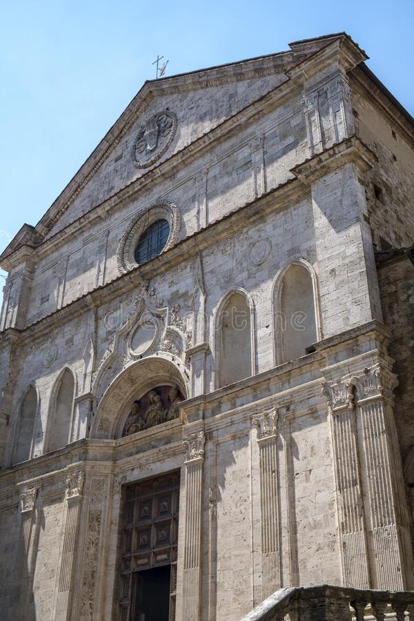 Montepulciano, Сиена, Италия: исторические здания стоковые изображения