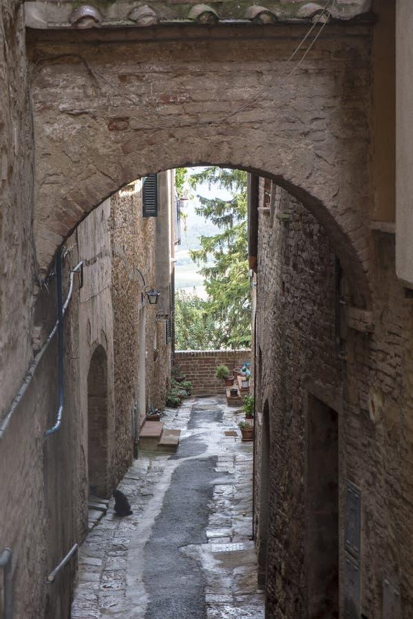 Montepulciano, Siena, Italië: historische gebouwen royalty-vrije stock foto's