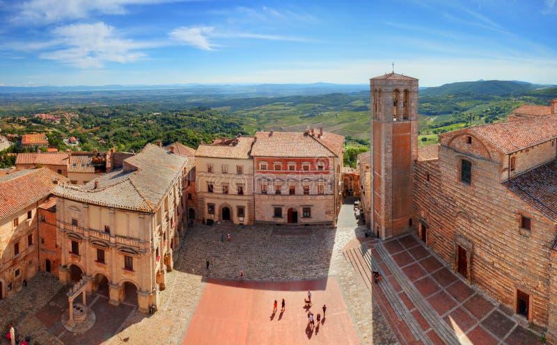 Montepulciano-Stadtpanorama in Toskana, Italien lizenzfreies stockfoto