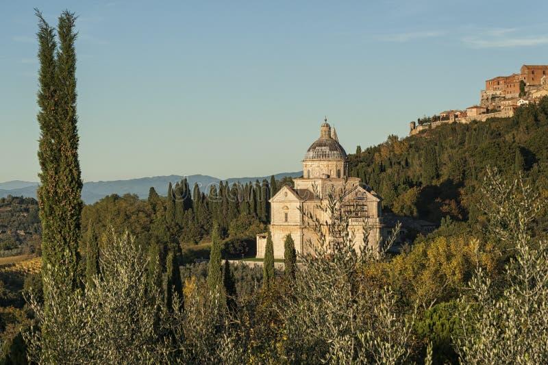 MONTEPULCIANO - TUSCANY/ITALY, IL 29 OTTOBRE 2016: Chiesa di San Biagio e città di Montepulciano in Toscana, Valdichiana fotografie stock libere da diritti