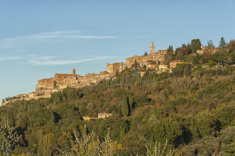 MONTEPULCIANO - TUSCANY/ITALY, 29 OKTOBER, 2016: Montepulcianostad in Toscanië, Valdichiana royalty-vrije stock afbeeldingen