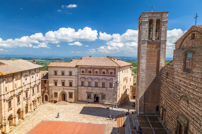 Montepulciano, una città di rinascita e medievale della collina in Toscana fotografia stock