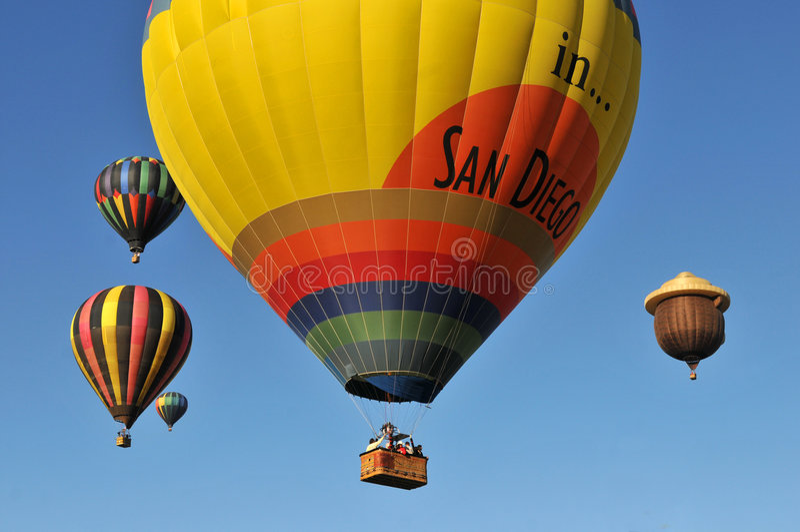 Monter en ballon image stock