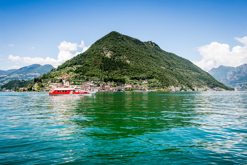 Montera den Isola ön, Iseo sjön, Brescia, Lombardy, Italien arkivfoto