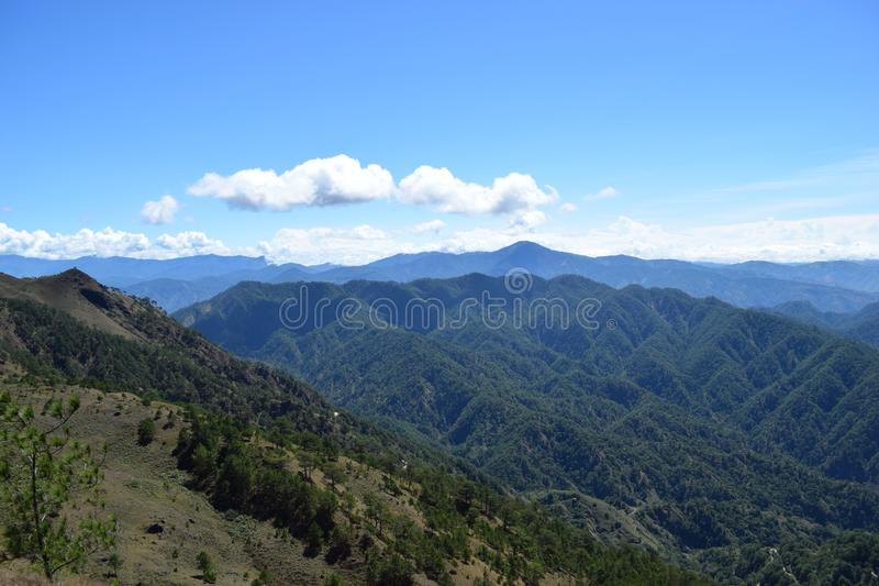 Montera Ulap, mt Ulap, Cordillerasbergskedjor, Ampucao bergskedjor, Ampucao, Itogon, Benguet, Filippinerna fotografering för bildbyråer