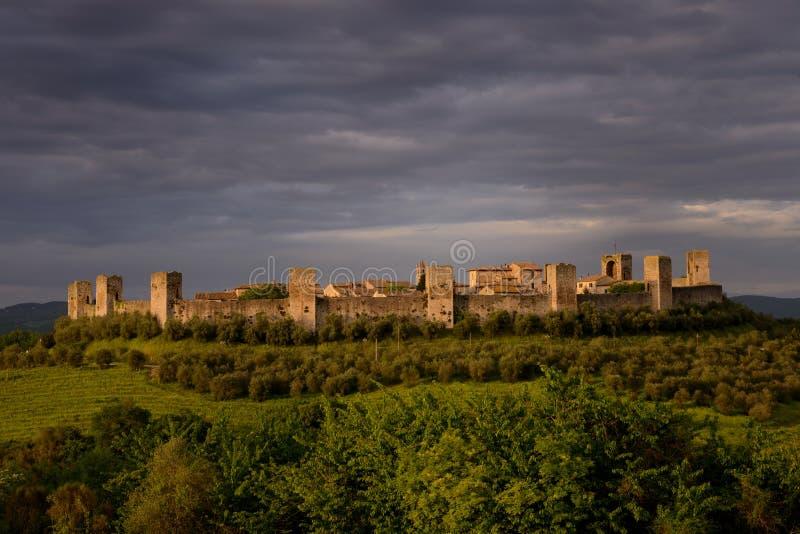 Download Monteriggioni immagine stock. Immagine di pietra, fortificazione - 30825647
