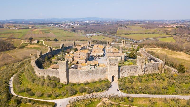 Monteriggioni, Siena, Italia Paisaje aéreo del abejón del pueblo medieval maravilloso Toscana, Italia foto de archivo libre de regalías
