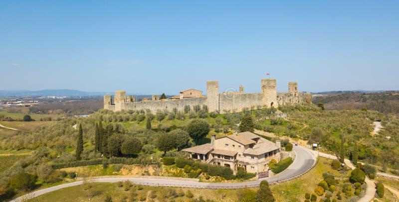 Monteriggioni, Siena, Italien Brummenluftlandschaft des wunderbaren mittelalterlichen Dorfs Toskana, Italien lizenzfreies stockfoto