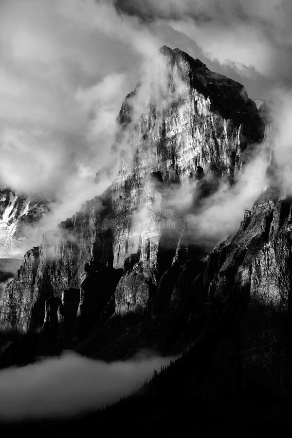 Montering Babel Banff National Park arkivbild