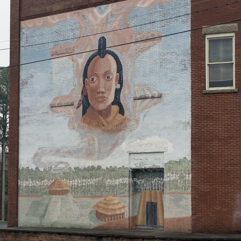 Montering Gilead, NC-April 07, 2018: Historiskt rekord Art Mural-Indian Village arkivfoton