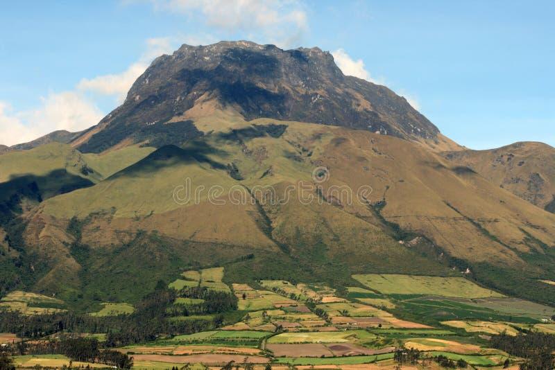 Montering Imbabura nära Cotacachi, Ecuador arkivbilder