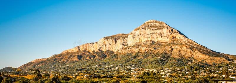 Montering Montgo, Javea, Spanien royaltyfria bilder