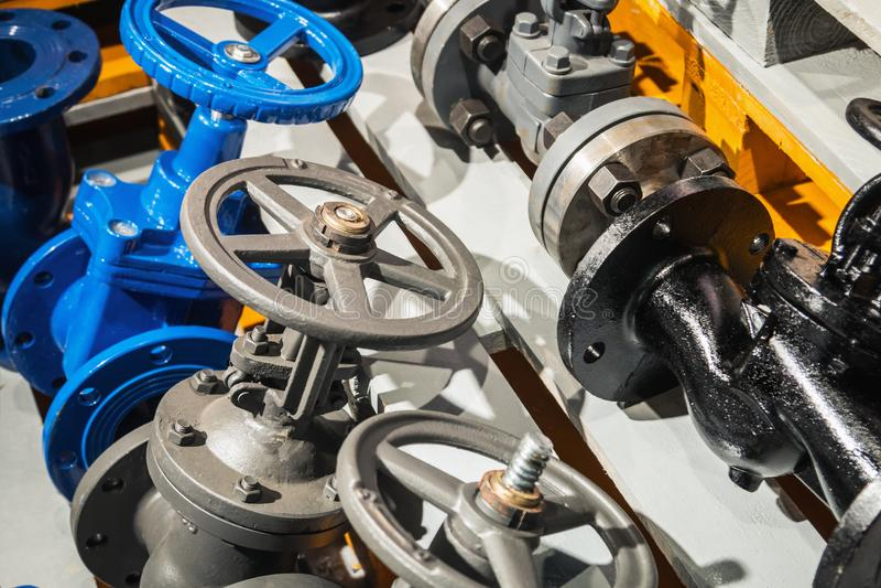 Monteringar och ventil, rör och adapter arkivfoton