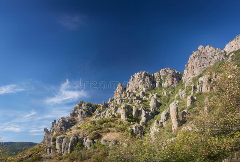 Monteringsdemerji varar spökskrivareare dalen crimea panorama- sikt för liggande royaltyfria foton