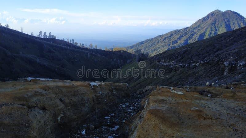 MonteringsIjen krater, Bondowoso region, Indonesien arkivfoto