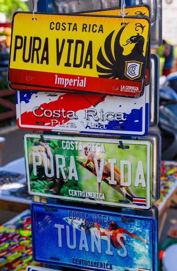 Monterrico, Santa Rosa, Guatemala, junio, 28, 2018: Ciérrese para arriba del foco selectivo de la colección de licencia vieja de  foto de archivo