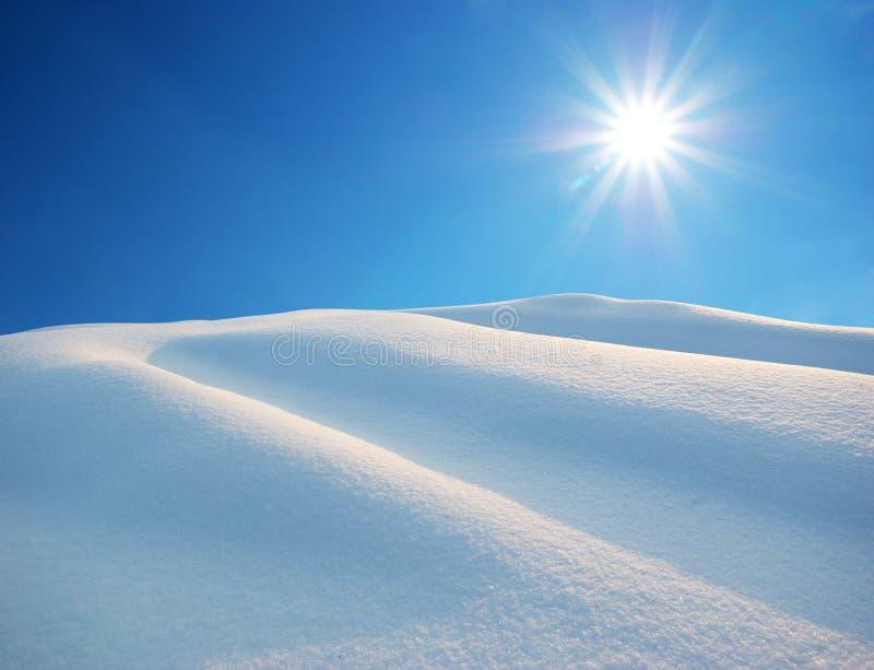 Montes da neve imagens de stock