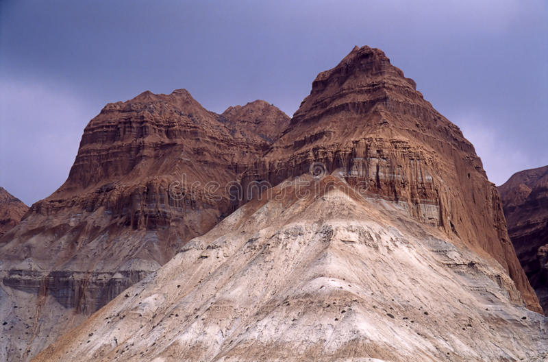 Download Montes da rocha foto de stock. Imagem de nave, geologic - 12803042