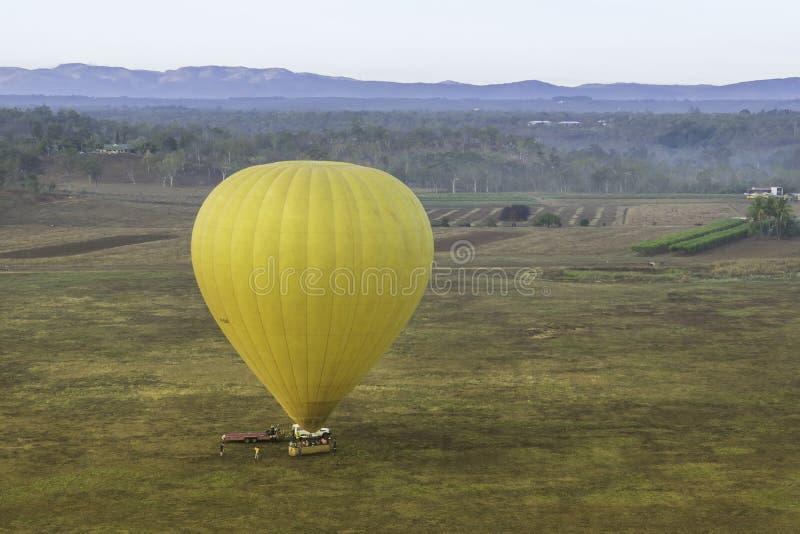 Montes de pedras Ballooning do ar quente fotos de stock royalty free