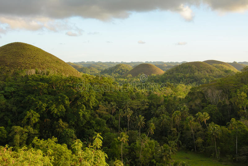 Montes do chocolate - marco principal da ilha de Bohol, Filipinas fotos de stock royalty free