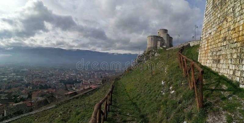Montesarchio - Panoramablick lizenzfreie stockbilder