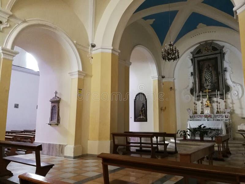 Montesarchio - wnętrze kościół Santa Maria delle Grazie zdjęcia stock