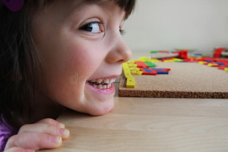 Montessori难题。 幼稚园。 免版税图库摄影