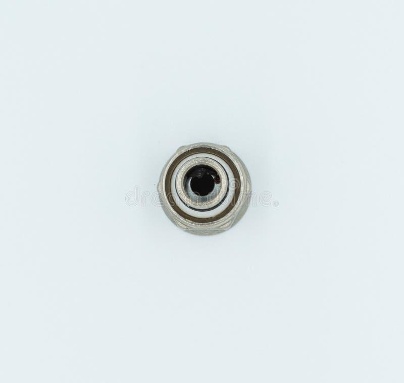 Monteur de tuyau dans un studio blanc image libre de droits