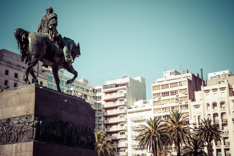 montevideo uruguay Montevideo är huvudstaden och det största cet royaltyfri fotografi