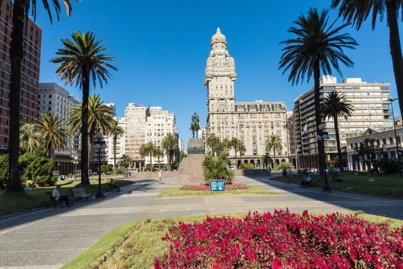 MONTEVIDEO URUGUAY - FEBRUARI 03, 2018: Palacio salva i cet royaltyfri fotografi