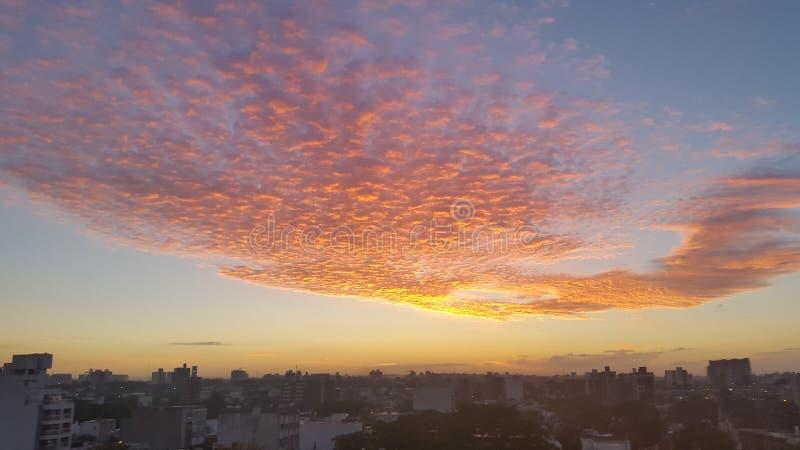 Montevideo y x27; levantamiento de s Sun fotos de archivo