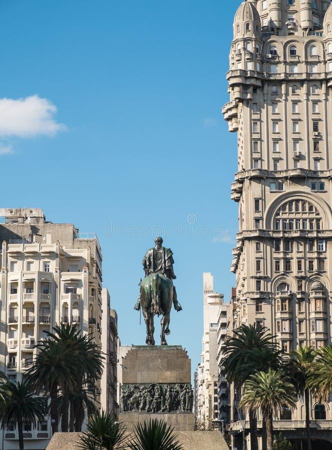 Montevideosjälvständighetfyrkant fotografering för bildbyråer