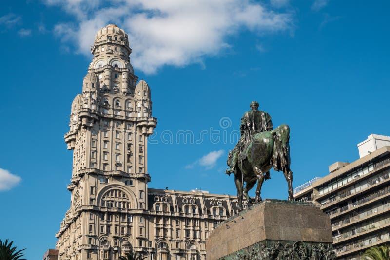 Montevideosjälvständighetfyrkant arkivbild