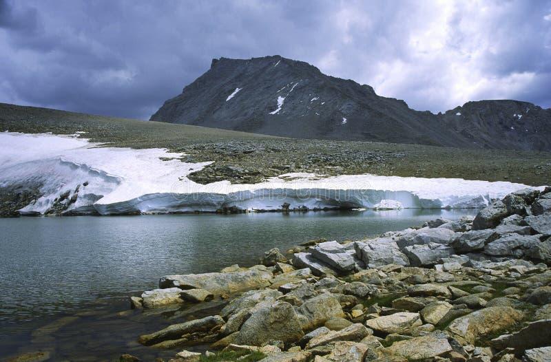 Montez Tyndall en haute sierra par temps orageux images libres de droits